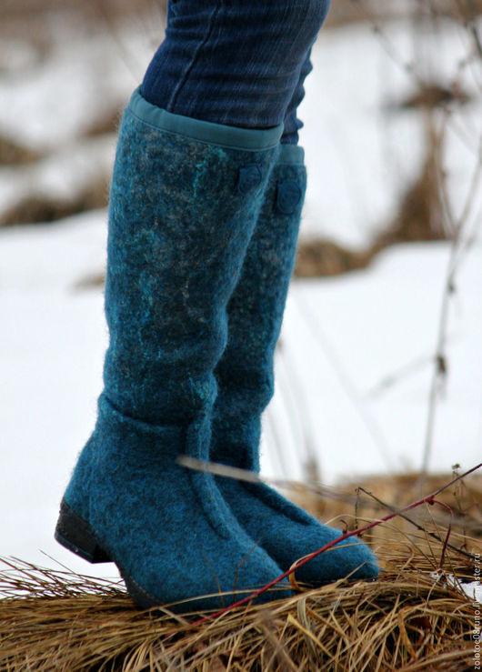 """Обувь ручной работы. Ярмарка Мастеров - ручная работа. Купить Сапоги войлочные """"Синий иней"""".. Handmade. Синий, валяные сапоги"""