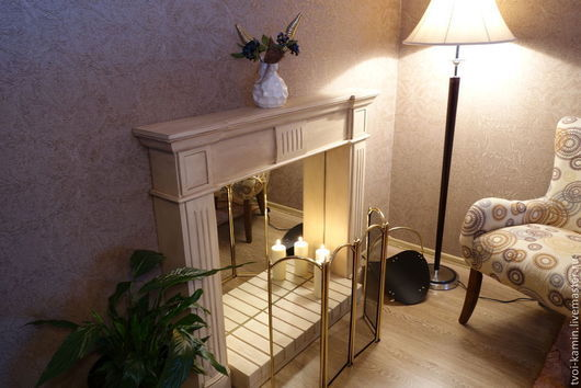В состав камина входят: полка верхняя, 2 опоры, стенка задняя зеркало, подиум