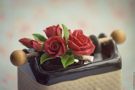Заколки ручной работы. Ярмарка Мастеров - ручная работа. Купить Зажим с красными розами. Handmade. Ярко-красный, заколка с розами
