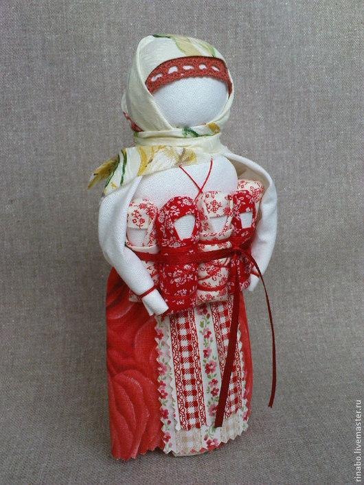 Народные куклы ручной работы. Ярмарка Мастеров - ручная работа. Купить Кукла Московка или СемьЯ. Handmade. Ярко-красный