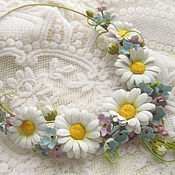 Украшения handmade. Livemaster - original item Decoration flowers leather Choker with flowers WHITE DAISIES AND forget-me-nots. Handmade.