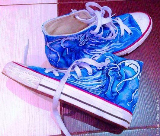 """Обувь ручной работы. Ярмарка Мастеров - ручная работа. Купить Кеды высокие Converse """"Лошадь лунная"""". Handmade. Кеды"""