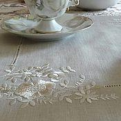 Для дома и интерьера ручной работы. Ярмарка Мастеров - ручная работа Салфетка с кружевом и вышивкой гладью. Handmade.