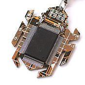 Украшения ручной работы. Ярмарка Мастеров - ручная работа Bugs - электронные жучки (кулон, брелок или брошь). Handmade.