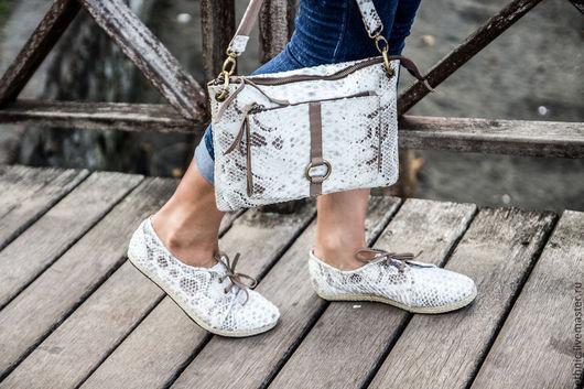Обувь ручной работы. Ярмарка Мастеров - ручная работа. Купить Ботинки из кожи питона . Кожаные ботинки.. Handmade. Белый, ботинки