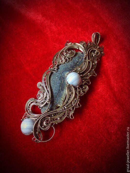 """Кулоны, подвески ручной работы. Ярмарка Мастеров - ручная работа. Купить Кулон с кораллом """"Морской бриз."""". Handmade. Голубой"""
