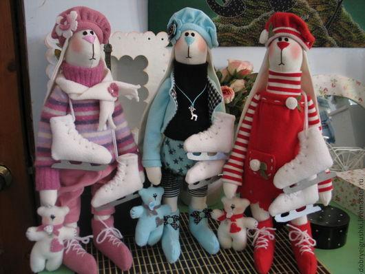 """Куклы Тильды ручной работы. Ярмарка Мастеров - ручная работа. Купить Зайки -фигуристки """"Три грации"""". Handmade. Розовый"""