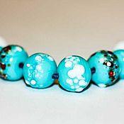 Бусины ручной работы. Ярмарка Мастеров - ручная работа Набор бусин голубые с белым. Handmade.