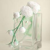 Свадебный салон ручной работы. Ярмарка Мастеров - ручная работа Украшение венок на голову мятного цвета с белыми розами. Handmade.