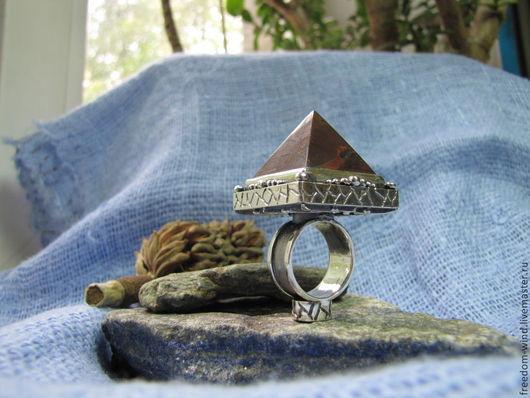 """Кольца ручной работы. Ярмарка Мастеров - ручная работа. Купить """"Пирамида"""". Handmade. Коричневый, талисман, октаграмма, подарок девушке"""