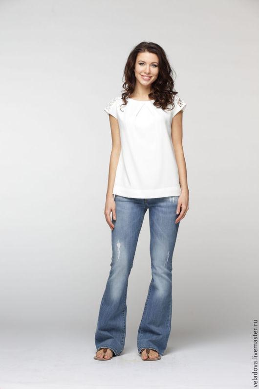 """Блузки ручной работы. Ярмарка Мастеров - ручная работа. Купить Белая блузка """"Ришелье"""". Handmade. Белый, белая футболка, с кружевом"""