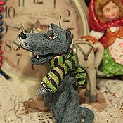 Куклы и игрушки ручной работы. Ярмарка Мастеров - ручная работа Бронь для О. Серый Волк идет в гости к бабушке..Ватная игрушка.. Handmade.