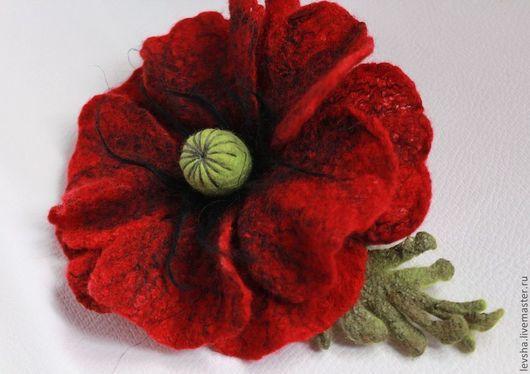 Красный мак, валяная брошь цветок мак, войлочный мак, брошь цветок, брошь ручной работы, мак из шерсти, маковый цвет, брошь войлочная на заказ 3-4 дня