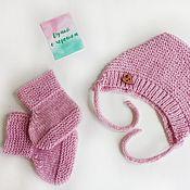 Работы для детей, handmade. Livemaster - original item A set of bonnet and booties. Handmade.