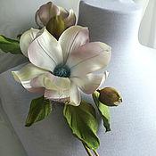 Цветы и флористика handmade. Livemaster - original item Silk flowers. Brooch