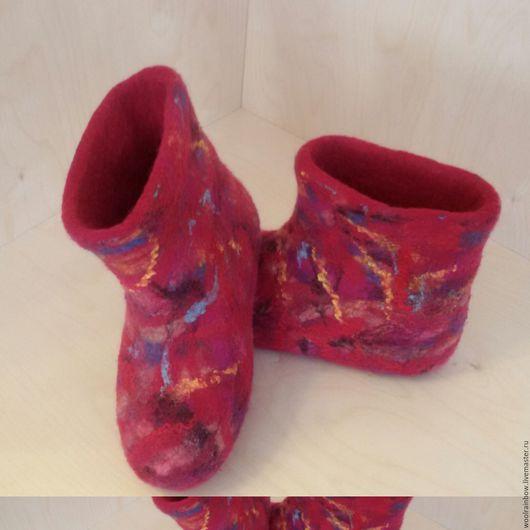 """Обувь ручной работы. Ярмарка Мастеров - ручная работа. Купить Валенки для дома и дачи  """"Яркая зима"""". Handmade. Брусничный, дача"""