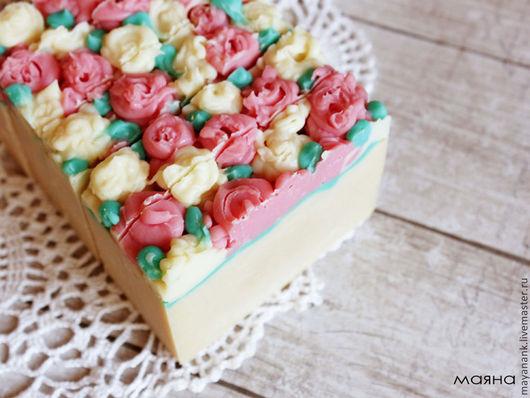 Персональные подарки ручной работы. Ярмарка Мастеров - ручная работа. Купить Цветущий сад Натуральное молочное мыло с нуля. Handmade.