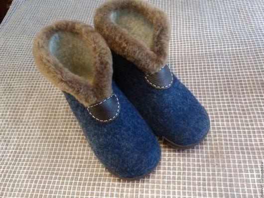 Обувь ручной работы. Ярмарка Мастеров - ручная работа. Купить Валяные мужские чуни.. Handmade. Тёмно-синий, валяные тапочки