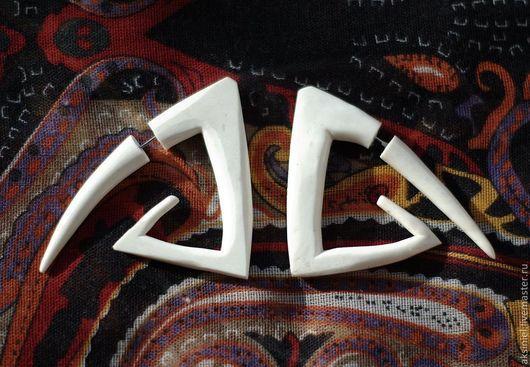 """Серьги ручной работы. Ярмарка Мастеров - ручная работа. Купить Серьги обманки """" Майя"""". Handmade. Белый, лжеплаги, майя"""