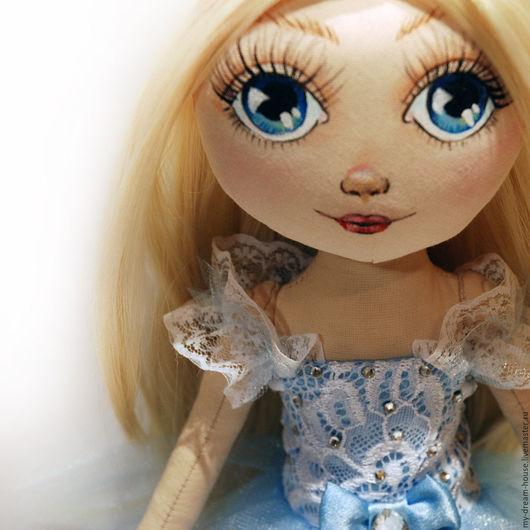 Портретные куклы ручной работы. Ярмарка Мастеров - ручная работа. Купить Кукла с портретным сходствои Мира. Handmade. Голубой