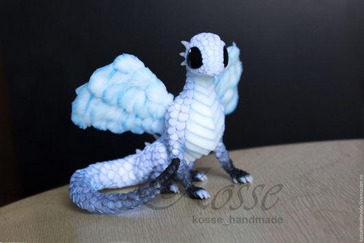 Сказочные персонажи ручной работы. Ярмарка Мастеров - ручная работа. Купить Взрослый Небесный дракон в позе сидя. Handmade. Голубой