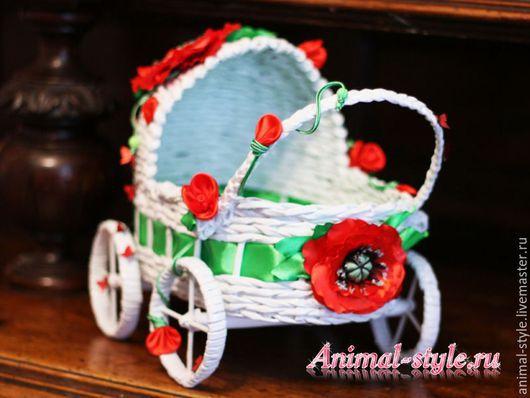 Плетеная коляска для фотосессий котят и щенков `Маки`