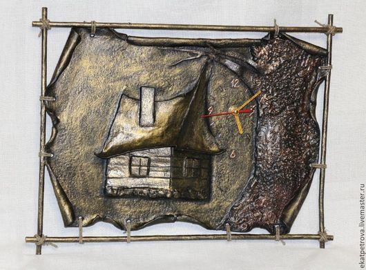 """Часы для дома ручной работы. Ярмарка Мастеров - ручная работа. Купить Часы """"Домик в лесу"""". Handmade. Часы, домик, деревня"""