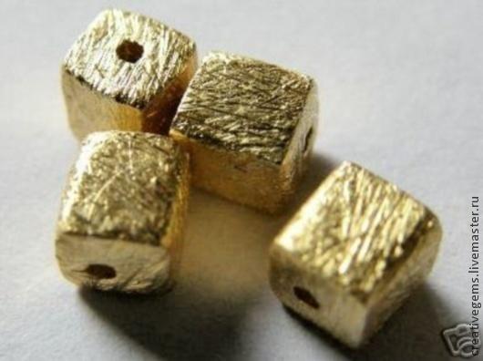 Артикул 41013 Бусины-кубики из позолоченного серебра 925 пробы. Цена за 1 шт. Для создания украшений своими руками
