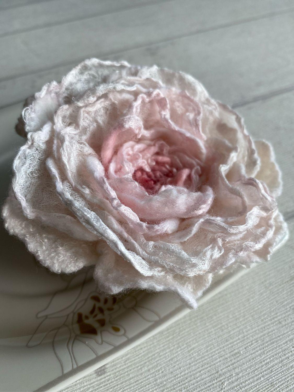 Брошь роза белая из шерсти и шёлка, Брошь-игла, Королев,  Фото №1