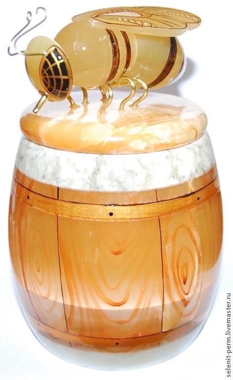 Роспись по камню ручной работы. Ярмарка Мастеров - ручная работа. Купить Бочонок для меда с пчелой, большой. Handmade. Золотой, роспись по камню