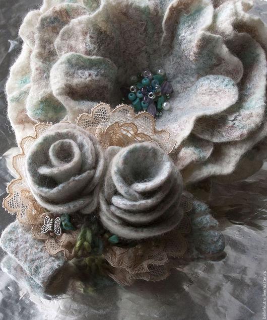 """Броши ручной работы. Ярмарка Мастеров - ручная работа. Купить Валяная брошь-цветок """"В светлых тонах"""" (2 шт). Handmade."""