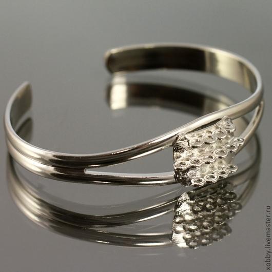 Металлическая основа для браслета с петельками для крепления украшения из бусин или бисера с покрытием имитирующим серебро
