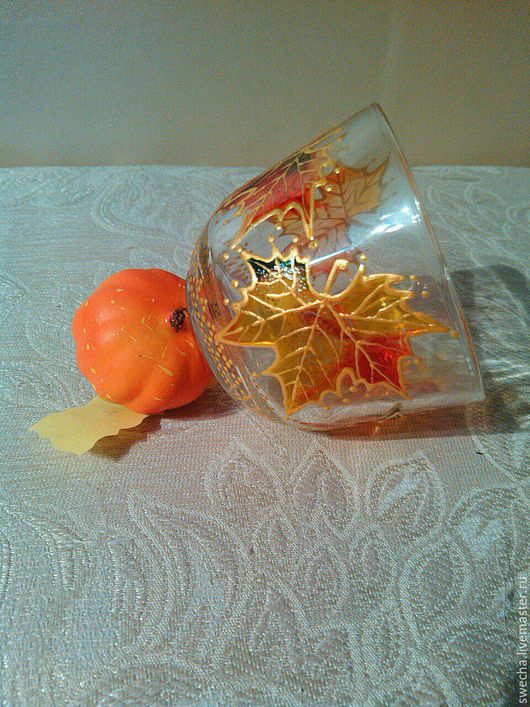 """Чашки (пара чашек), прозрачное стекло. Роспись, навеянная """"золотой осенью"""" (другая чашка из пары). Цена за пару."""