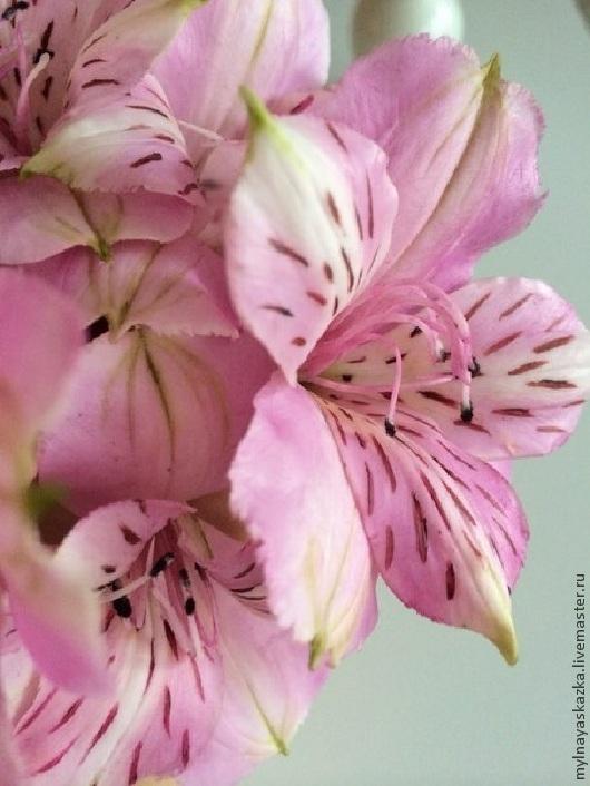 Искусственные растения ручной работы. Ярмарка Мастеров - ручная работа. Купить Альстромерия из полимерной глины (холодного фарфора). Handmade. Розовый