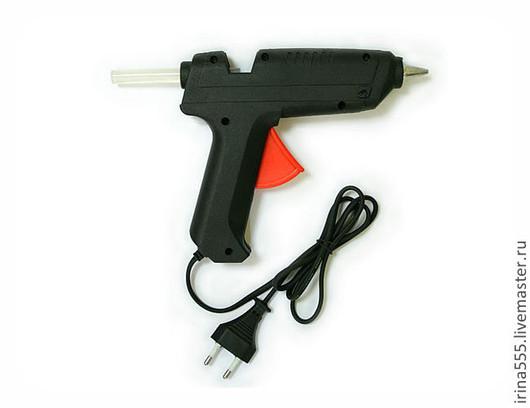 Клеевой пистолет.