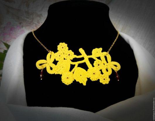 """Колье, бусы ручной работы. Ярмарка Мастеров - ручная работа. Купить колье """"Рубиновый дождь"""". Handmade. Желтый, яркий аксессуар"""