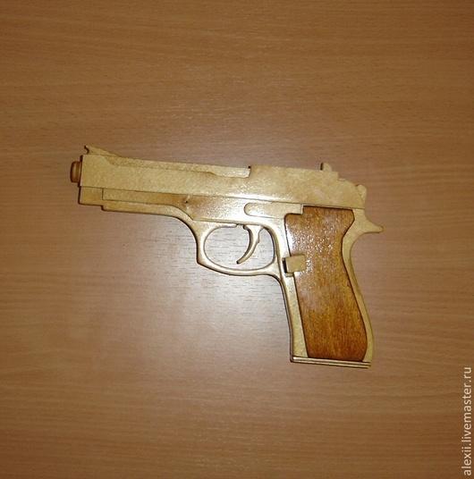 Приколы ручной работы. Ярмарка Мастеров - ручная работа. Купить Резинкострел (деревянный пистолет). Handmade. Фанера, друг, сувенир