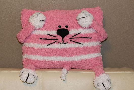 Подушка для детской в виде кошечки