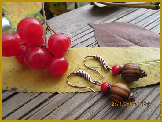 """Серьги ручной работы. Ярмарка Мастеров - ручная работа. Купить Серьги """"Орешки-ягодки"""". Handmade. Ярко-красный, коралл натуральный"""