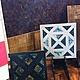 Керамическая плитка, расписанная в ручную как инкрустация деревянных полов и паркета - редкое по красоте и оригинальности оформление интерьера. Различные породы дерева, способы их обработки и широкая