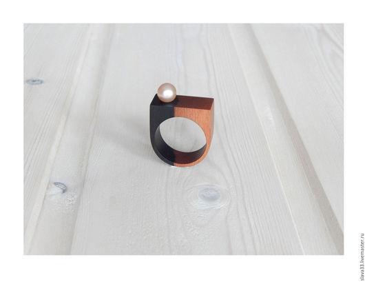 Кольца ручной работы. Ярмарка Мастеров - ручная работа. Купить Кольцо из дерева с жемчугом.. Handmade. Кольцо с жемчугом, подарок из дерева
