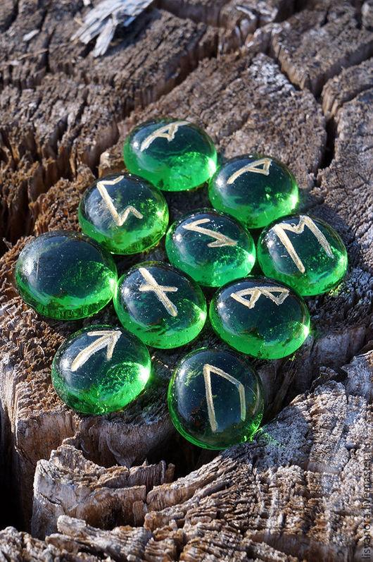 Гадания ручной работы. Ярмарка Мастеров - ручная работа. Купить руны Футарх (на стекле). Handmade. Зеленый, футарк, волшебство