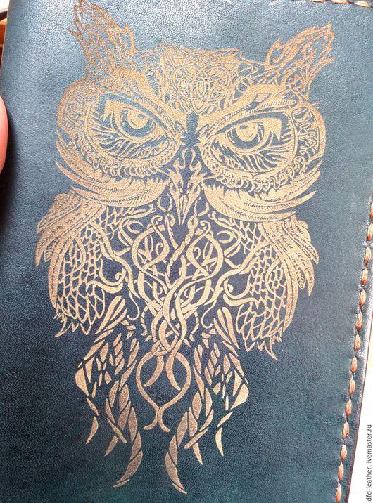 Обложки ручной работы. Ярмарка Мастеров - ручная работа. Купить Обложка на паспорт из натуральной кожи. Handmade. Тёмно-зелёный