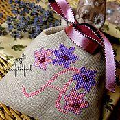 Сувениры и подарки ручной работы. Ярмарка Мастеров - ручная работа Арома-саше с вышивкой. Handmade.