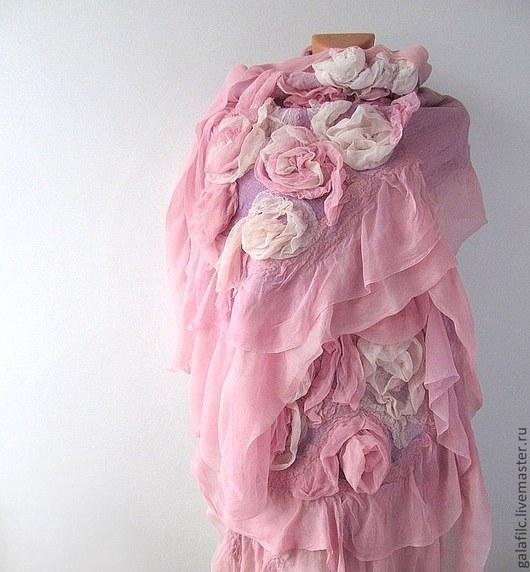 Шали, палантины ручной работы. Ярмарка Мастеров - ручная работа. Купить Палантин - Розовые  розы. Handmade. Палантин, натуральный шелк