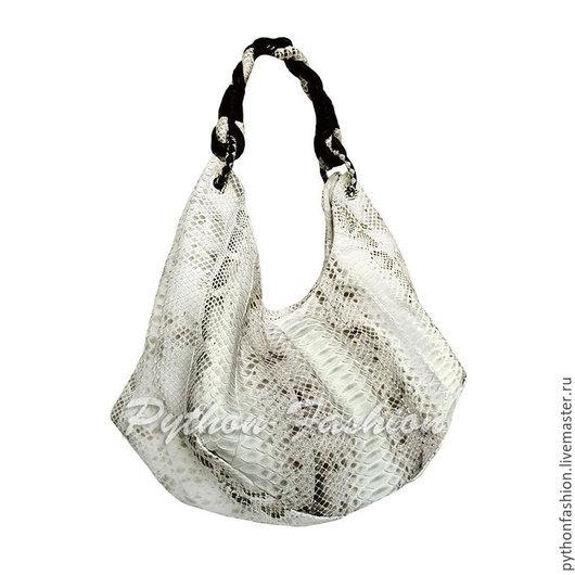 Дизайнерска сумка хобо из питона с длинной плетеной ручкой на плечо. Необычная эффектная женская сумка на каждый день с кожаной подкладкой. Модная сумка хобо на молнии. Стильная женская сумка на весну