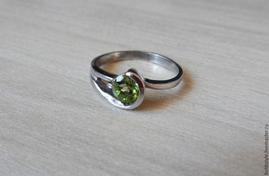 Кольца ручной работы. Ярмарка Мастеров - ручная работа. Купить Серебряное кольцо с натуральным хризолитом. Handmade. Серебряный