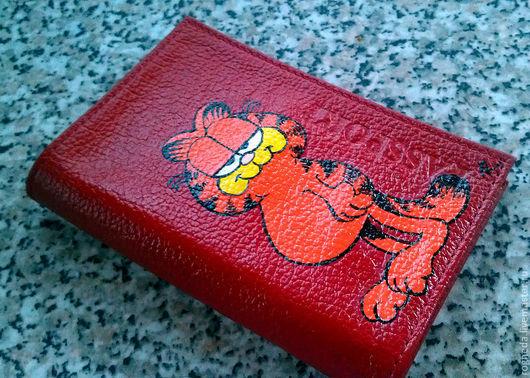 """Обложки ручной работы. Ярмарка Мастеров - ручная работа. Купить Обложка """"Гарфилд"""" (0420). Handmade. Ярко-красный, обложка на паспорт"""