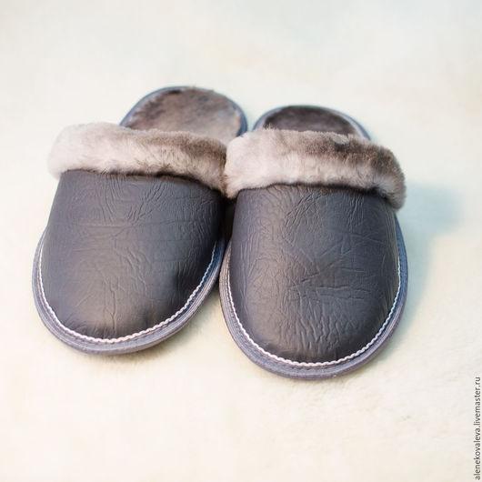 Обувь ручной работы. Ярмарка Мастеров - ручная работа. Купить Домашние тапочки из овчины эко-кожа. Handmade. Тёмно-синий