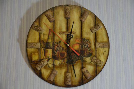 """Часы для дома ручной работы. Ярмарка Мастеров - ручная работа. Купить Интерьерные часы """"Винный погребок"""". Handmade. Часы, бар"""
